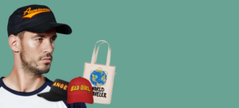 Homme portant une casquette avec son propre dessin